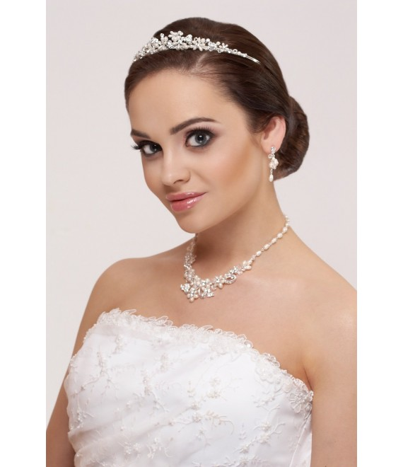Tiara, ketting en oorbellen - The Beautiful Bride Shop